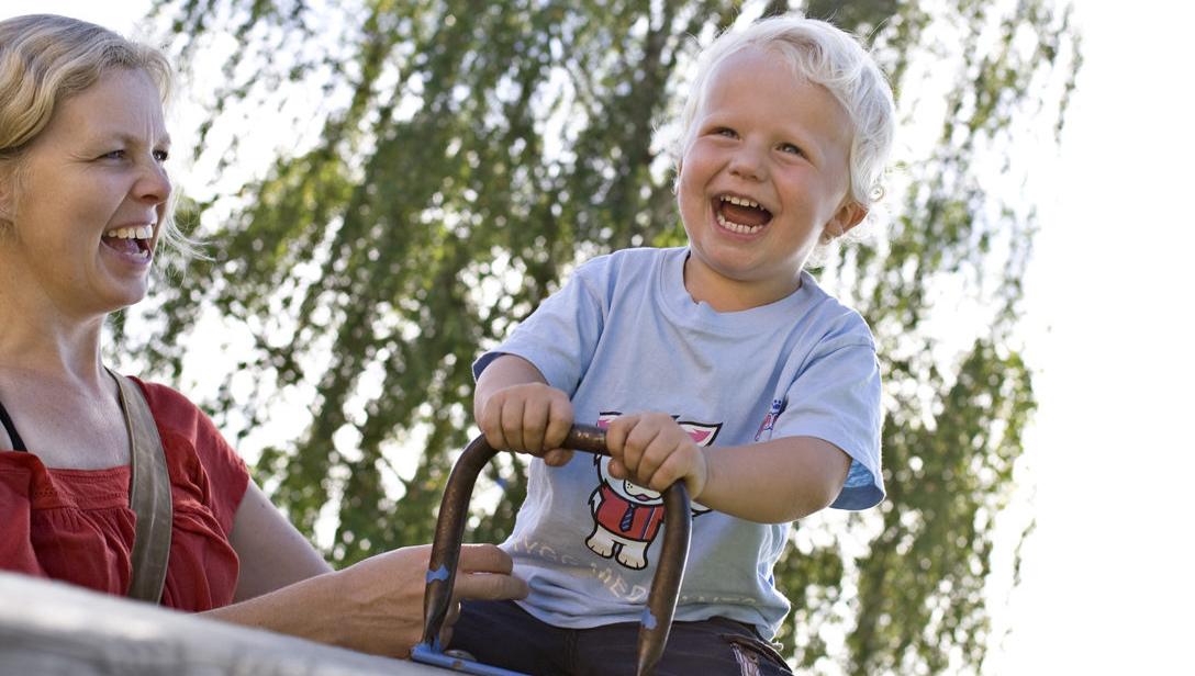 274fe3d9 DEN BESTE FORMEN FOR SPARING: Hvis du vet at det du sparer til er langt  fram, som pensjonsalderen, eller sparing til barnas voksenliv, så egner  fondssparing ...